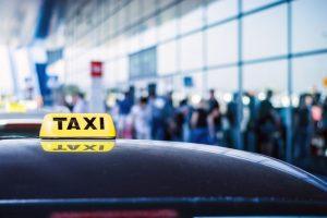 タクシードライバーの平均年収・給料とは?稼ぐ運転手の特徴も紹介!