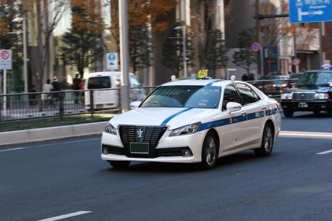 大阪で個人タクシーを開業したい!支払い方法の種類はどうすればいい?