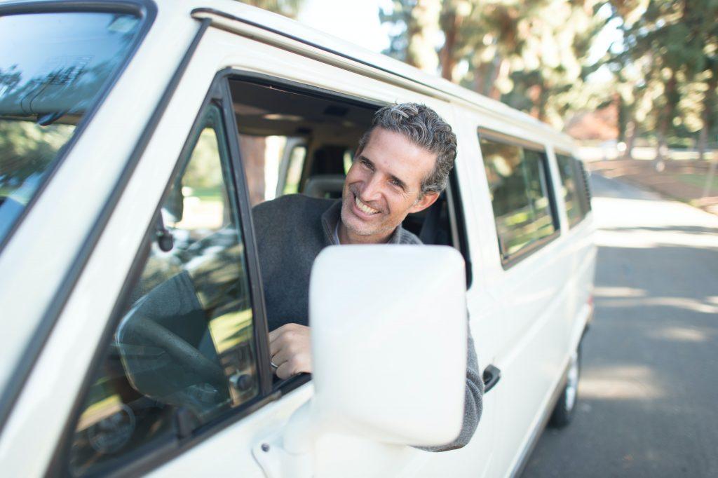 バス運転手の年収・月収・ボーナスは?タクシー運転との比較をご紹介