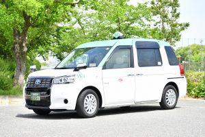 【飛沫防止シート全車装着へ】東京交通新聞より(2020年8月31日抜粋)