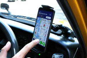 稼ぐタクシーのコツ!タクシードライバーに聞く神奈川のタクシーアプリ需要と使い方【MOV×JapanTaxi統合】