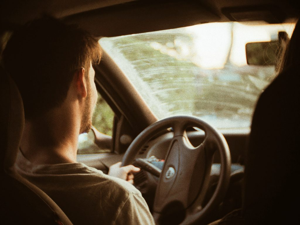 運転代行の年収&働き方を公開!タクシー運転手と徹底比較