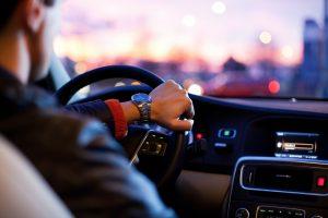運転代行の年収はどれぐらい?ハイヤー業界との比較で徹底分析